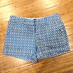 Dear John shorts - blue white ikat pattern cuffed